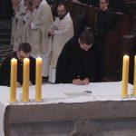 Msza św. pontyfikalna, podczas której swe pierwsze śluby mnisze złożyli bracia Mateusz i Mikołaj. 01 listopad 2017 r.